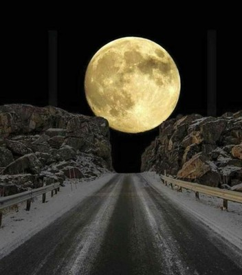 Moon in Norway_012721A