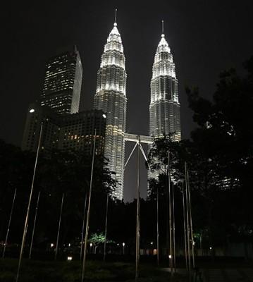 Twin Towers_Kuala Lumpur_Malaysia_052316A