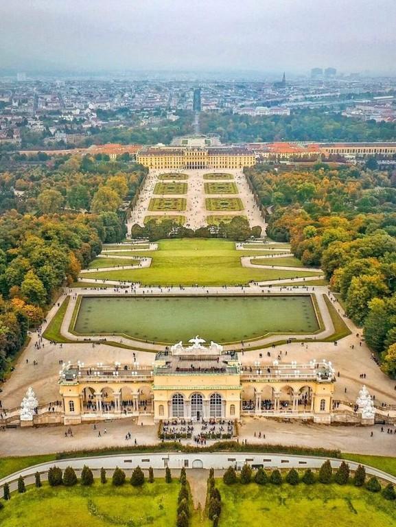 Vienna_Austria_Civil_Engineering_Discoveries_110320A
